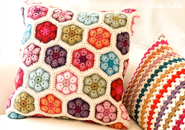 Crochetpillow-5_72